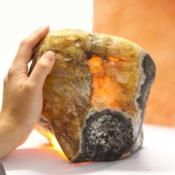 4.15kg Agate Crystal Lamp [CRY602] 1 | Himalayan Salt Factory