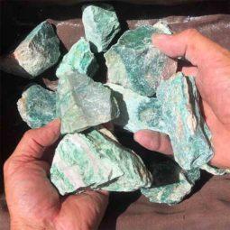 5kg Green Quartz Gemstone   Himalayan Salt Factory