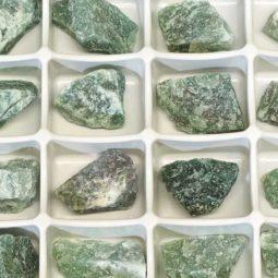Green Quartz Flat 24 Pieces Tray   Himalayan Salt Factory